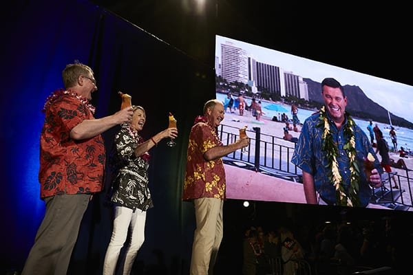 Southwest Airlines announces intention to fly to  Hawaii
